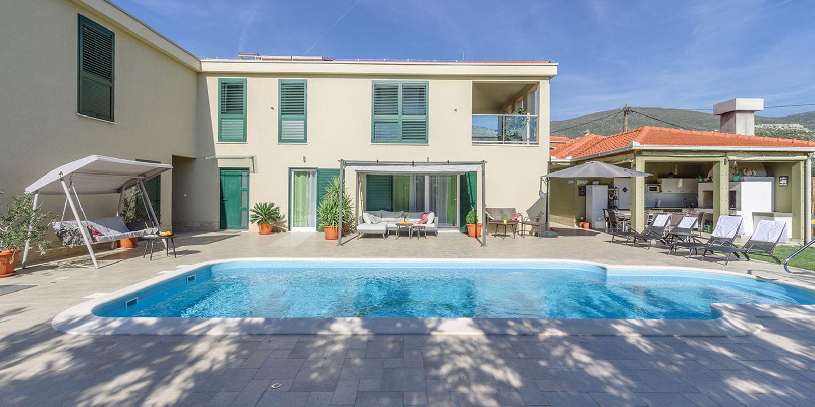 Villa Marta with pool